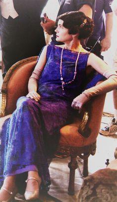Cora the Countess   via obsessionsninspiration: Elizabeth Mcgovern - Behind the scenes of Downton Abbey season 5