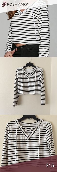 Striped Lace-Up Top NWT. Perfect condition. 100% Polyester. ✅Bundle & save! Tops Crop Tops