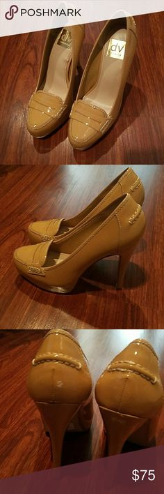 Dolce Vita beige heels size 6 1/2 barely used Gorgeous Dolce Vita Shoes Heels