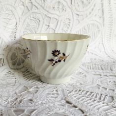 EARLY MARKED ROYAL WORCESTER BARR FLUTED Tea Bowl Cup HAND PAINTED FLORAL DESIGN #ArtDeco #Worcester #BARR #fluted #vintage #floral #gilt #gold #tea #bowl #cup #coffee