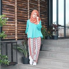 """4,243 Likes, 43 Comments - CINDY LEVINA CLEVINA (@cindylevinaa) on Instagram: """"Pleats pants by @reisagarage """""""