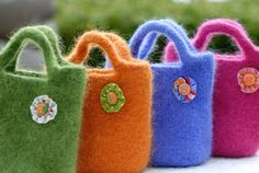 felted bags - says easy but I have no idea what the directions mean. Think I will have to learn a bit more before giving this a try.
