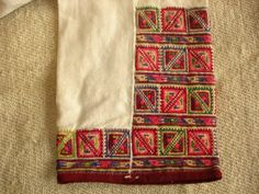 Man's embroidered sleeve Bulgarian Folk Embroidery, Cross Stitch Embroidery, Bohemian Culture, Ethno Style, Folk Costume, Traditional Outfits, Cross Stitching, Needlework, Knitting Patterns