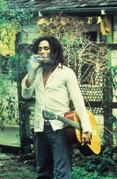 Happy birthday to the man,the myth,the legend, Mr Bob Marley. Image Bob Marley, Arte Bob Marley, Bob Marley Legend, Reggae Bob Marley, Reggae Rasta, Rasta Man, Reggae Music, Bob Marley Pictures, Image Positive