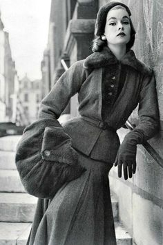 Model in Jacques Fath for Vogue France 1952.