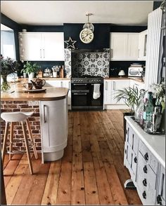 Home Interior Layout .Home Interior Layout Home Decor Kitchen, Kitchen Interior, New Kitchen, Home Kitchens, Kitchen Tiles, Summer Kitchen, Cozy Kitchen, Rustic Kitchen, Kitchen Cabinets