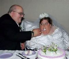 bad wedding pictures - Dump A Day Worst Wedding Photos, Wedding Pictures, Tom Holland, Ugly Pics, Wedding Fail, Dump A Day, Teen Romance, Cute Wedding Ideas, Funny Couples