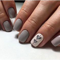 False nails have the advantage of offering a manicure worthy of the most advanced backstage and to hold longer than a simple nail polish. The problem is how to remove them without damaging your nails. Cute Summer Nail Designs, Cute Summer Nails, Spring Nails, Heart Nail Designs, Gel Nail Designs, Nail Designs With Hearts, Nails Design, Neutral Nail Designs, Cute Nail Art Designs