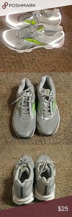 Reebok Runtone shoes Cute and comfy Reebok Runtone shoes. Excellent condition! Reebok Shoes Athletic Shoes