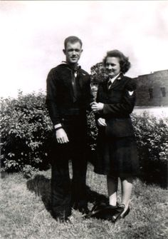 Willa Bean and a unidentified U.S. Navy solider - The Betty H. Carter Women Veterans Historical Project - University Archives - University Libraries-UNCG
