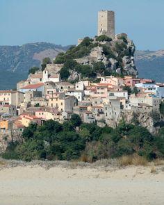 Posada e la Baronia in vetrina tv su Rai 3 Cities In Italy, Walled City, Terra, Van Life, Landscape Photography, Paris Skyline, Travel Destinations, Beautiful Places, Places To Visit