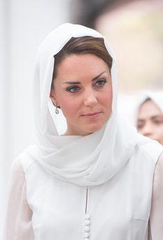 Kate Middleton Photos: The Duke And Duchess Of Cambridge Diamond Jubilee Tour - Day 4