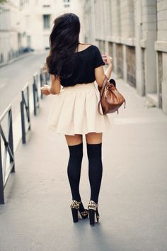 I normally hate socks with heels, but this is pretty cute!