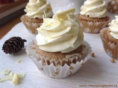 Ořechové cupcakes s vaječným koňakem - My site Brownie Cupcakes, Cheesecake Cupcakes, Mini Cupcakes, Mini Desserts, Cake Recept, Muffins, Czech Recipes, Baked Goods, Food And Drink