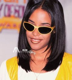 Aaliyah Miss You, Rip Aaliyah, Aaliyah Style, Aaliyah Pictures, Soul Train Awards, Aaliyah Haughton, Girl Inspiration, It Goes On, Girls Makeup