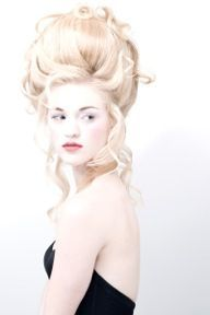 Hair and makeup by Vince Smith Hair Experience Marie Antoinette. Hair and makeup by Vince Smith Hair Experience Costume Marie Antoinette, Big Hair, Your Hair, Mode Rococo, Hair Rainbow, Foto Fashion, Versailles, Masquerade Ball, Great Hair
