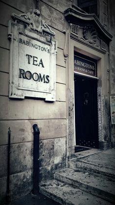 I like these little shops... Rome