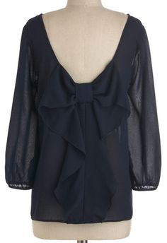 LOVE this bow back top in navy! http://rstyle.me/n/fcbxbnyg6