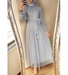 designs of dresses Hijab Prom Dress, Hijab Gown, Hijab Evening Dress, Hijab Style Dress, Muslim Dress, Dress Muslim Modern, Modern Hijab Fashion, Islamic Fashion, Abaya Fashion