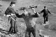 Sebastopol, 1944 - the ''master race'' comes unstuck and Soviet troops take prisoners
