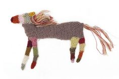 crochet brooches by Sophie Digard