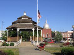 The Carlinville square