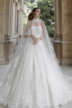 06b65b929a04 Donna romantica Dalin. Tressi Spose