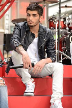 Leather-jacket Zayn is the best Zayn.   - Cosmopolitan.com