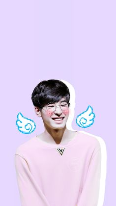 #wonwoo #wonwoosmiling #littleangel #smilingcutie #smile #cute #glasses #seventeen #pink #wings #wallpaper #lockscreen