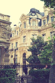 Parc Monceau, Paris, France.
