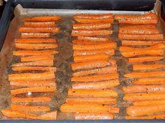 Frytki z marchewki - pieczone - Krok 6