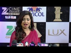 Shreya Ghoshal at ZEE CINE AWARDS 2016 red carpet.