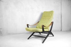 This rare Joker chair was designed by Bengt Ruda for Ikea, Sweden, during the It Outdoor Chairs, Outdoor Furniture, Outdoor Decor, Ikea Armchair, Chaise Vintage, Butterfly Chair, 1950s, Upholstery, Joker
