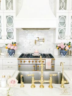 To improve the interior of your home, you may want to consider doing a kitchen remodeling project. This is the room in your home where the family tends to spend the most time together. If you have not upgraded your kitchen since you purchased the home,. Beautiful Kitchen Designs, Beautiful Kitchens, Beautiful Candles, Home Renovation, Kitchen Renovations, House Remodeling, Kitchen Decor, Kitchen Ideas, Kitchen Candles