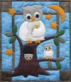 RACHAEL'S OF GREENFIELD-Owl Family Wall Quilt Kit. This kit has everything you need to make an adorable wall quilt. It includes all the fabrics (appliques, background, back and bin Owl Quilt Pattern, Baby Quilt Patterns, Applique Patterns, Owl Patterns, Quilting Patterns, Quilt Baby, Hanging Quilts, Quilted Wall Hangings, Owl Applique