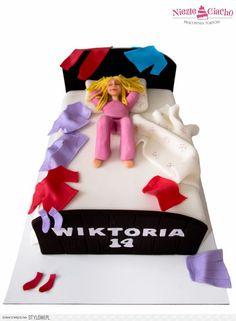Łóżko, śpioch, tort dla dziewczyny, nastolatka, marząca… na Stylowi.pl