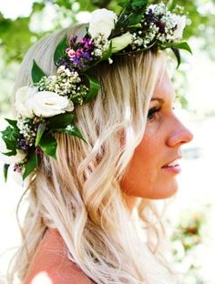 Beach bride's long loose down bridal hair ideas Toni Kami Wedding Hairstyles ♥ ❶ wedding hairstyle with flower crown corona halo