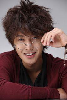 Csók 세계 한국 키스 Korea World: New Képek a Kim Hyun Joong, hogy Hotsun Chicken !!