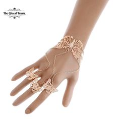 Flit around in style with our 'Mystique Butterfly Hand Harness' ! Shop now: www.theglocaltrunk.com  #filigreejewelry #accessories #handharness #rosegold #costumejewellery #luxestyle #party #nightout #statementjewellery #theglocaltrunk #tgt