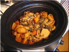 Zeleninové kuře - pomalý hrnec Crockpot Recipes, Cooking Recipes, Pot Roast, Slow Cooker, Crock Pot, Ethnic Recipes, Food, Carne Asada, Roast Beef
