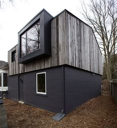 I like the exterior materials & colors. Modern Bungalow Addition with Pops of Blue by The Practice of Everyday Design. House Cladding, Timber Cladding, Exterior Cladding, Renovation Facade, Bungalow Renovation, Architecture Design, Residential Architecture, Dezeen Architecture, Living Haus