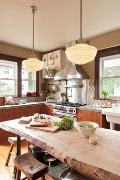 table rustique, table en bois design rustique, table bois brut dans la cuisine