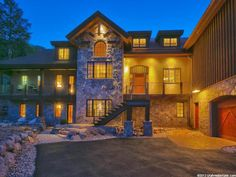 $1,999,000, 4661 MCKINNEY CT, Park City UT 84098 - This is an entertainer's custom dream home in the Sun Peak community! Call 801-673-3333 for a private showing. Property Listed By Summit Sotheby's International.