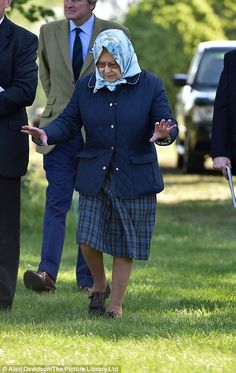 Her majesty walked carefully over the muddy ground between the arenas on day four of the popular annual horse show