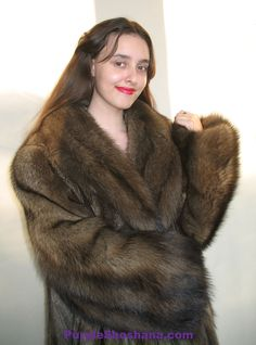 Sable Coat, Getting Cozy, Fur Fashion, Furs, Coats For Women, Style Guides, Fisher, Short Hair Styles, Sexy Women