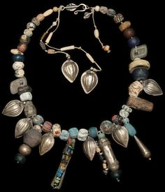 by Nevra Bozak (Turkey) | Necklace; Faience, Roman and Islamic beads, Central Asian silver  || 2'900$