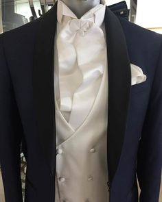 Discover an outstanding collection of Groom Suits including Formal Groom Suits and Semi Choose from our extensive selection of suits, including designer looks from Marchesi.