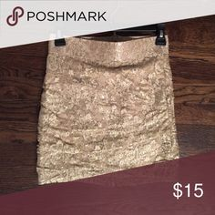 Skirt! Gold skirt with embroidered with gold flowers! Sparkles!!!! Forever 21 Skirts Mini