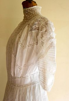 1905 38 bust batiste cotton and inserted lace Edwardian Fashion, Edwardian Style, Vintage Fashion, Dress With Shawl, Antique Clothing, Edwardian Clothing, Special Dresses, Lingerie Dress, Vintage Gowns