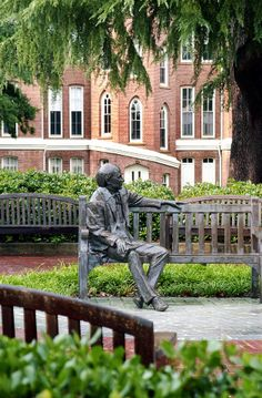 Our beloved Jesse Mercer, founder of Mercer University. It is a tradition for freshman & seniors to rub his head for good luck. College Years, College Campus, College Life, College Graduation Pictures, Grad Pics, Mercer Bears, Mercer University, Macon Georgia, Exhibition Display